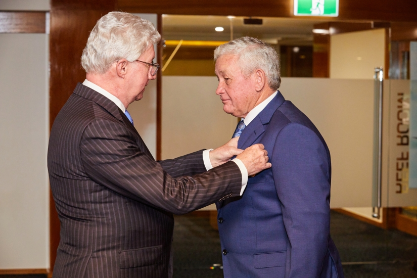 Paul de Jersey AC, Governor of Queensland awarding Ashley Cupitt OAM